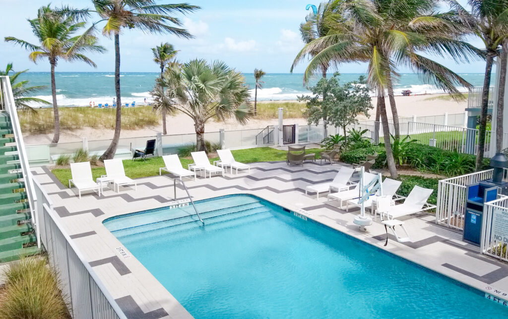 DeziStyle Lauderdale-By-the-Sea Staycation at Plunge Beach Resort Pool